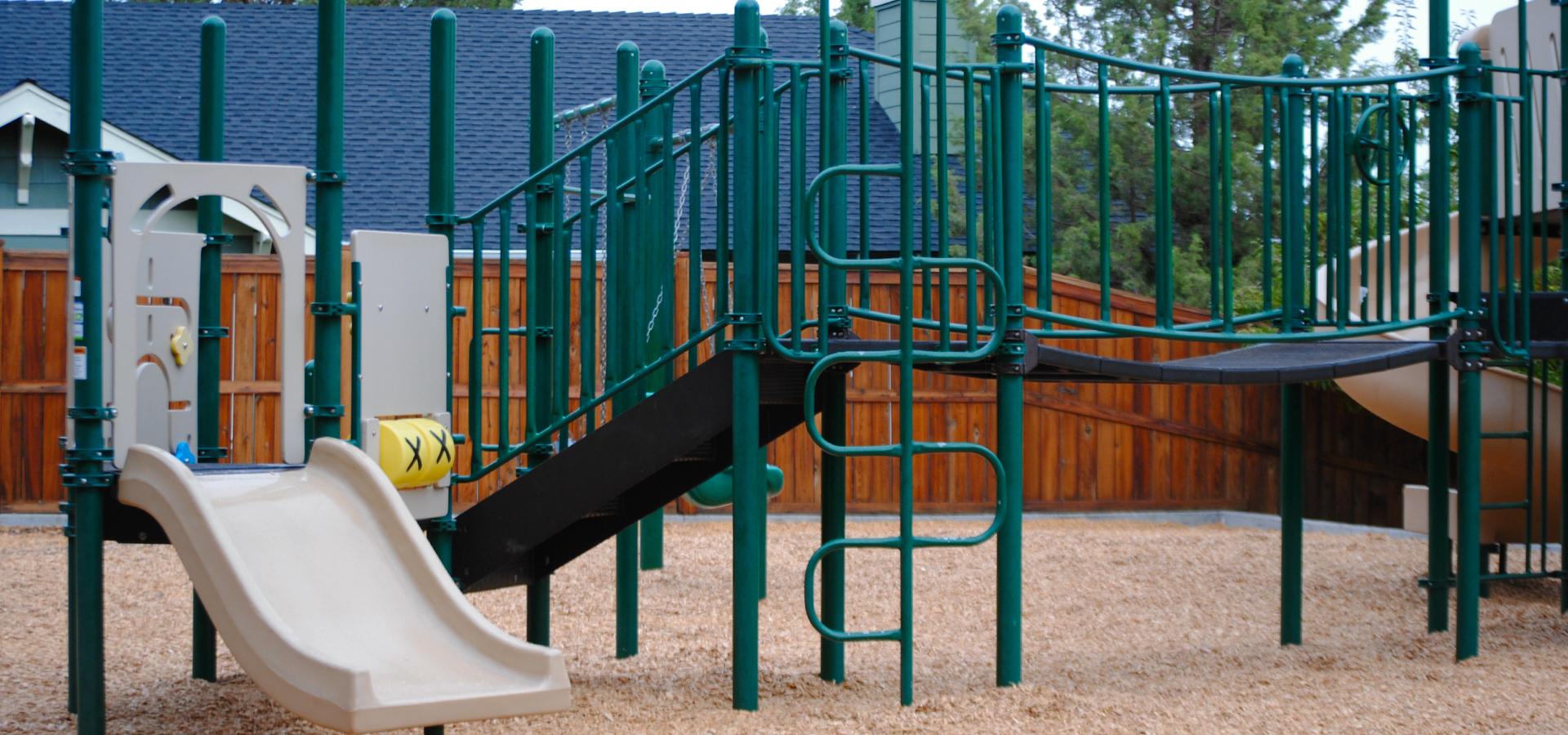 Awbrey-Village-Park-Playground-in-Bend