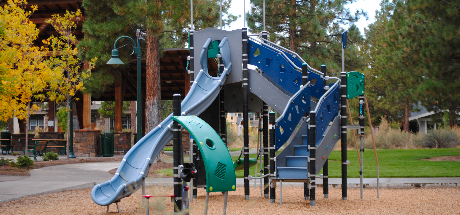 Compass-Park-Playground-in-Bend