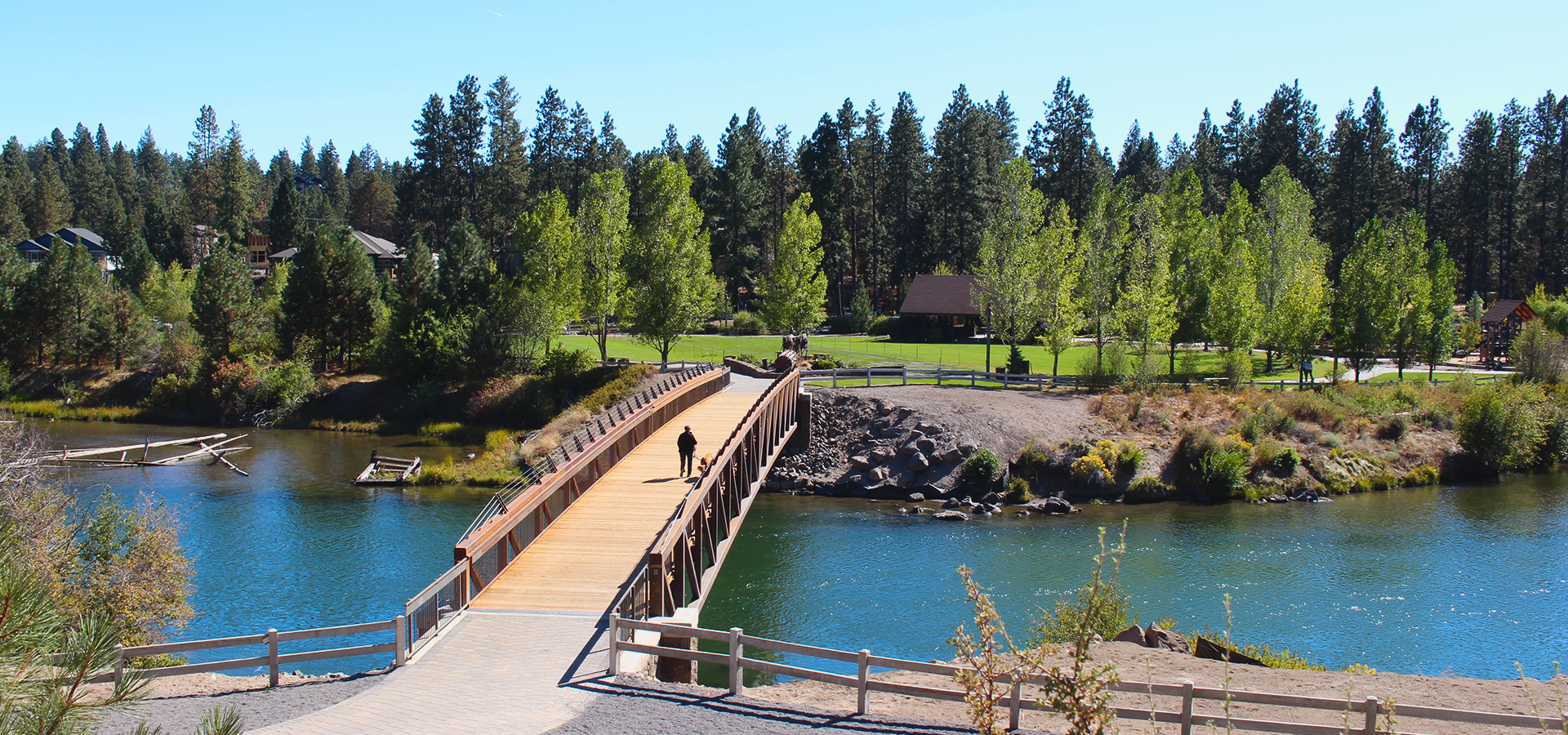 Image of the Deschutes River Trail bridge crossing at Farewell Bend.