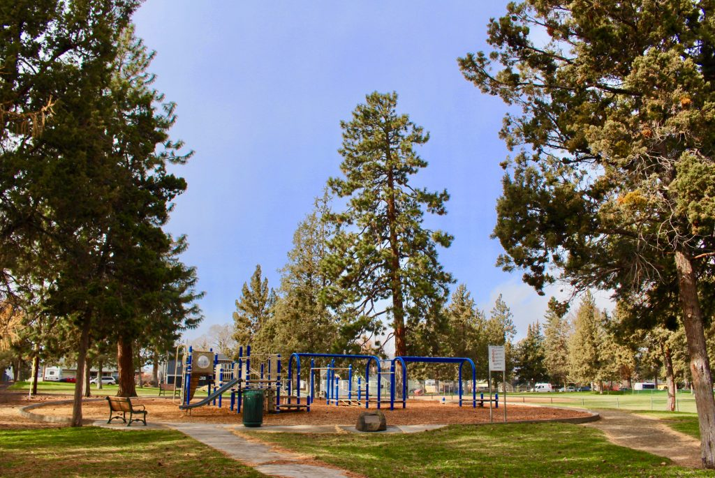 Juniper park bend park and recreation district for Juniper swim and fitness pool schedule