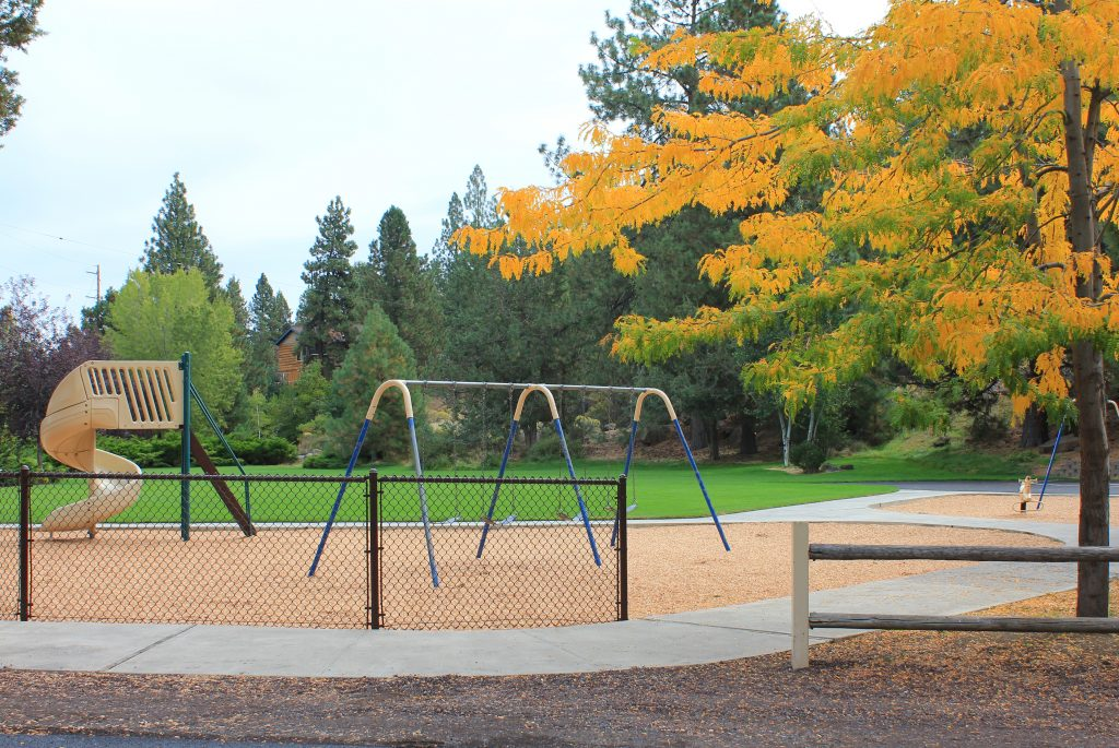 Woodriver park bend park and recreation district for Juniper swim and fitness pool schedule