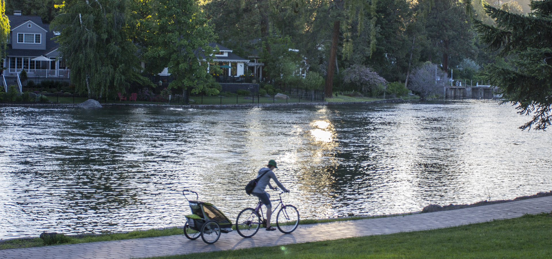 Deschutes River Trail at Pioneer Park with cyclist