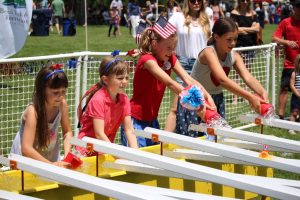 Image of the July 4th Old Fashion Festival in Drake Park in Bend, Oregon.