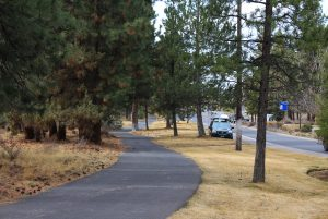 Image of the Haul Road Trail in Bend, Oregon.