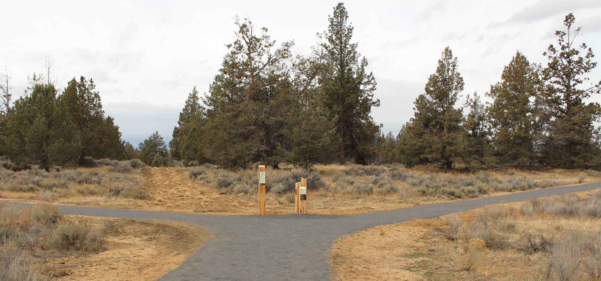 Image of Riley Ranch Trail in the Riley Ranch Nature Reserve in Bend, Oregon.