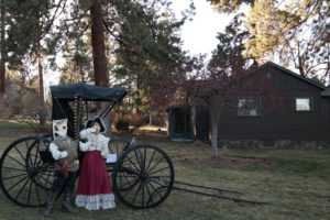 Image of the Hollinshead Homestead House outside decorations for the Holiday Open House