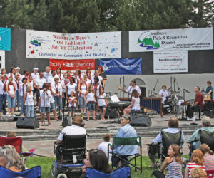 Music on the stage in Drake Park - 2008